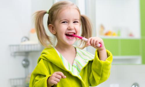 Bàn chải đánh răng cho bé