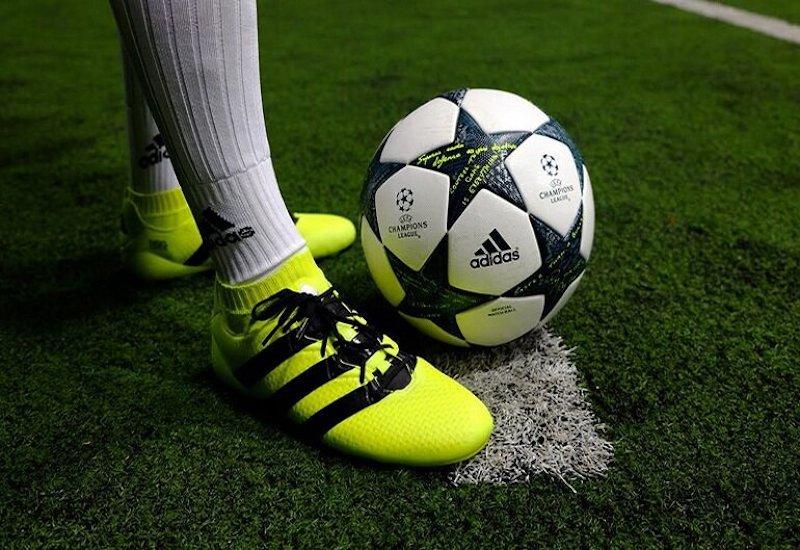 Giày đá bóng bảo vệ đôi chân toàn diện