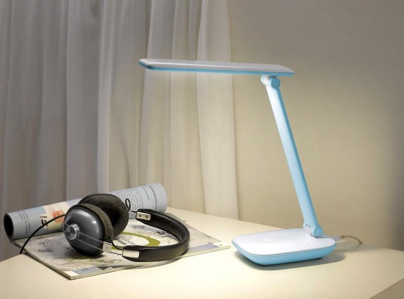 Tiêu chí chọn mua đèn bàn học chống cận cần biết