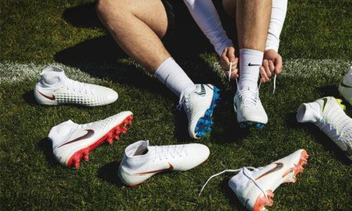 Top 5 mẫu giày đá bóng siêu chất 2021