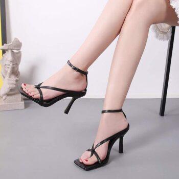 Giày Sandal cao gót xỏ ngón dây mảnh chữ V