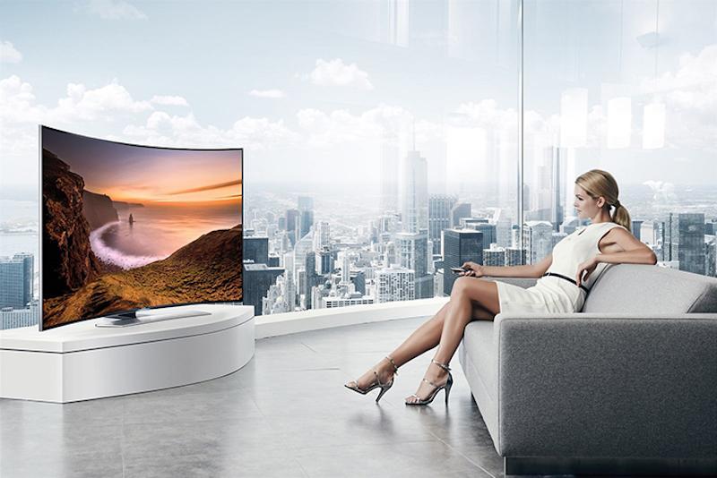 Nên chọn mua tivi màn hình cong của các thương hiệu nổi tiếng