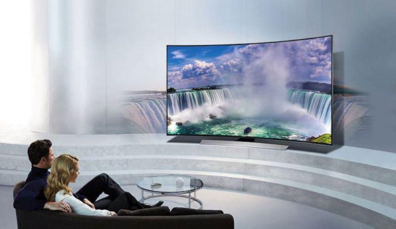 Tivi màn hình cong giúp tạo cảm giác mọi thứ rộng hơn khi xem