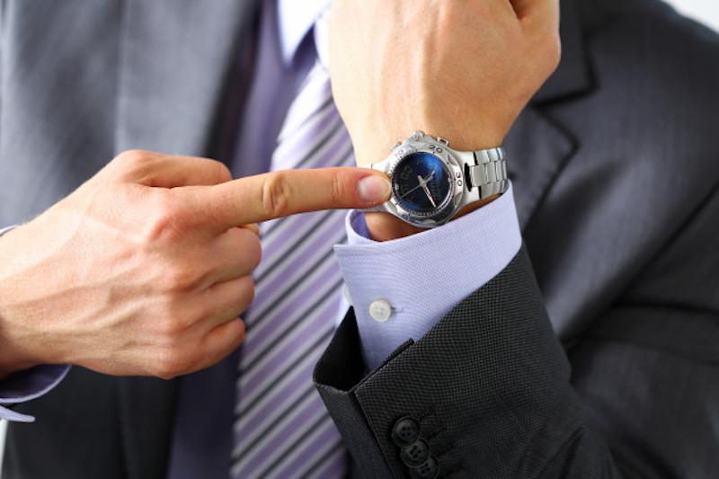 Chọn mua đồng hồ đến từ các thương hiệu uy tín
