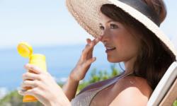 Top 6 kem chống nắng cho da dầu mụn hiệu quả nhất 2021
