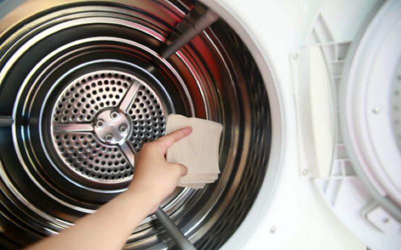 Vì sao nên vệ sinh máy giặt