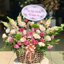 Giỏ hoa tươi đẹp chúc mừng để bàn 6584