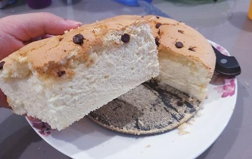 Bánh bông lan HongKong thơm ngon làm bằng nồi chiên không dầu