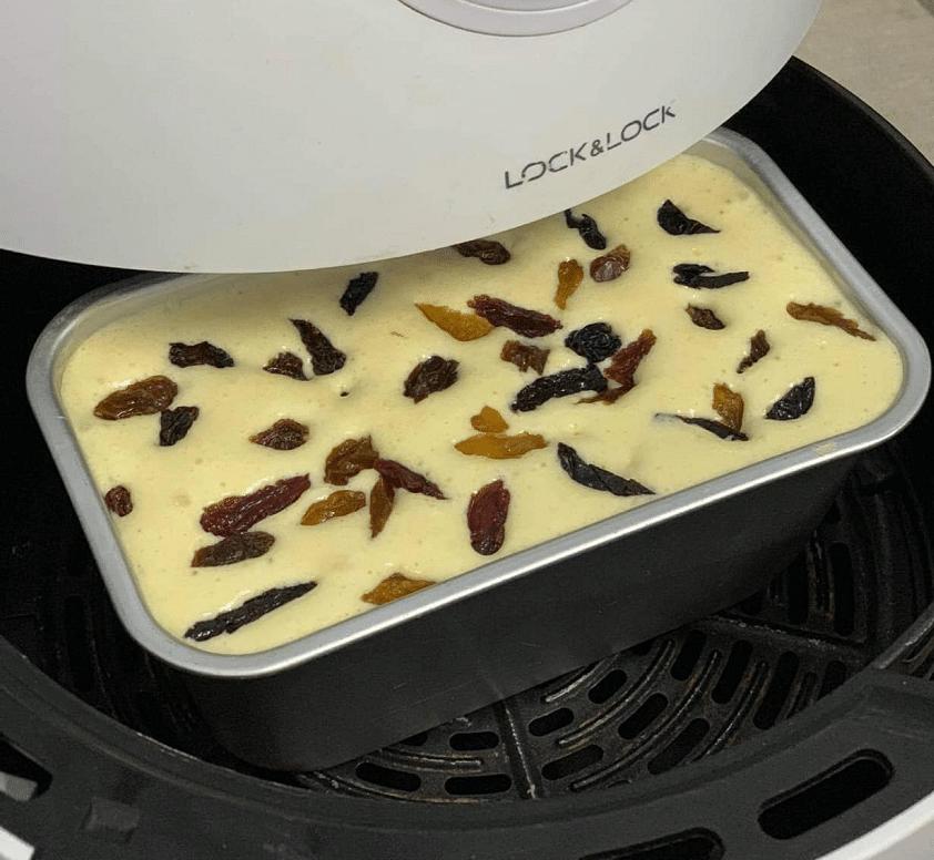 Nướng bánh bông lan bằng nồi chiên không dầu