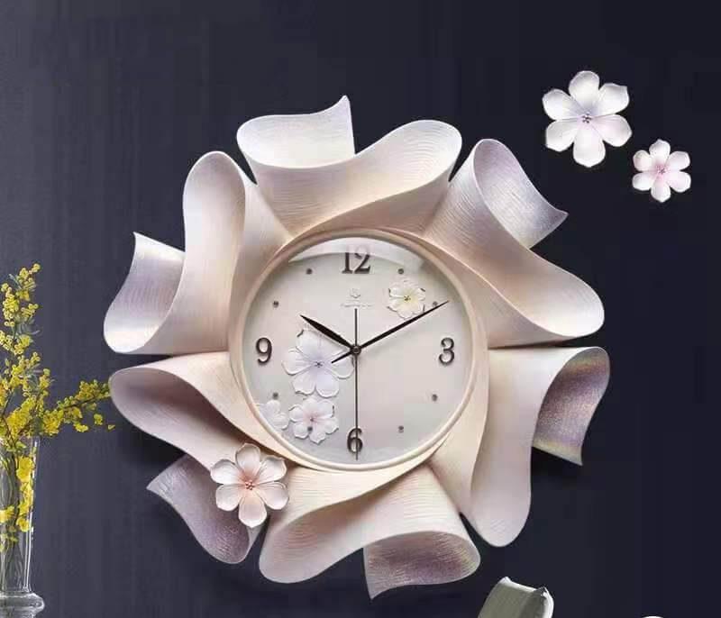 Đồng hồ treo tường màu hồng nhạt